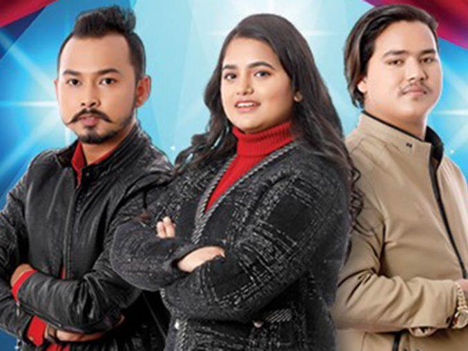 नेपाल आइडल सिजन–३ की विजेता सज्जा चौलागाईं (बीच) फस्ट अनरअप प्रवीण बेडुवाल र सेकेन्ड रनरअप किरणकुमार भुजेल ।